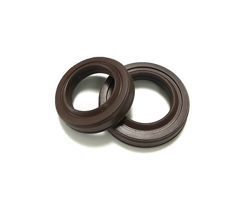 What are the differences between molded rubber seals and extruded rubber strips?